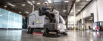 Riding Floor Scrubber Training by Los Angeles Floor Scrubber Rental
