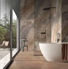 feinsteinzeug in natursteinoptik naturstein bad mosaik