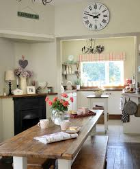 Country Dining Room With Rustic Wooden Table
