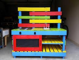 DIY Pallet Mud Kitchen For Your Kids