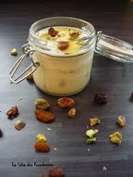 dessert aux raisins frais dessert safrané fromage blanc raisins pistaches la salsa des