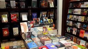 Periplus Adalah Toko Buku Impor Yang Paling Sering Gue Datangi