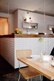 gutes im glas im zip restaurant in neukölln frühstücken