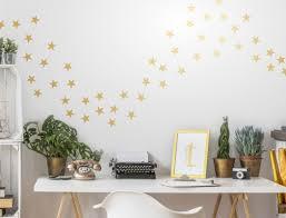 wandtattoos wandbilder wandtattoo sterne gold wohnzimmer