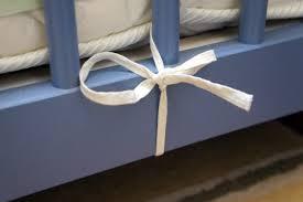 comment mettre un tour de lit bebe comment mettre un tour de lit pour la sécurité de bébé dans lit