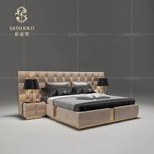 sassuolo italienischen postmodernen stil neueste design doppelbett komfortable süße schlafzimmer möbel hoch zurück einem stuhl große bett buy