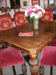 A Circa 1920s Walnut Dining Room Table From HE Shaw Furniture Co Manufacturers Grand