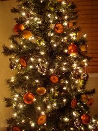 Elegant White Christmas Tree Decor