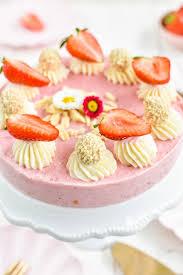 rezept für eine fruchtig frische erdbeer frischkäse torte