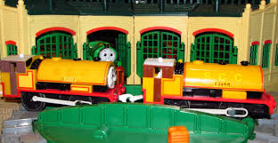 Thomas The Train Tidmouth Shed Trackmaster by 2006 Trackmaster Hit Ben Review And First Run Of The Twins