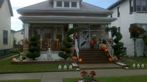 House Decor For Halloween Using Scary Pumpkin Heads And Black Bats Also Spider Web