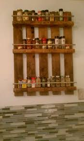 best 25 pallet spice rack ideas on pinterest kitchen spice rack