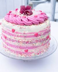vanillecreme torte mit rosa topping sissilys home