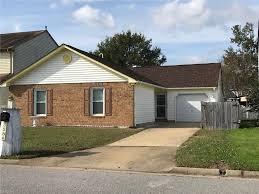 Kempsville Custom Cabinets Virginia Beach Va by Homes With Pool For Sale In Virginia Beach Va 23461 23456 23464
