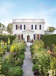 100 Beautiful White Houses Exterior Paint Color Ideas Architectural Digest