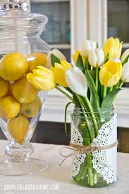 Easy Spring Mason Jar Centerpiece Idea