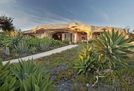 100 Dick Clark Estate Malibu S Finally Sells Flintstone House In