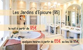 hotel ile de avec dans la chambre une chambre d hôtel en ile de hôtel et chambre avec
