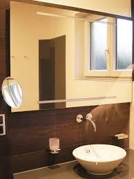 glas statt fliesen elegante rückwände badezimmer