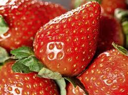 warum sind erdbeeren gesund für den körper und die haut