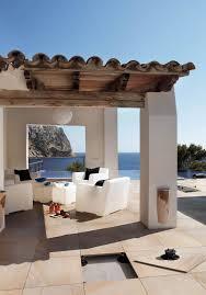 carrelages et dalles sur plots pour terrasse et contour de piscine