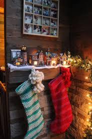 Christmas Tree Shop North Attleboro Massachusetts by 16 Small Space Christmas Decorating Ideas Tiny House Christmas
