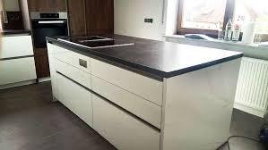 moderne küche in lack weiß hochglanz absetzungen in grain