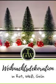 festliche weihnachtsdekoration in rot weiß und grün