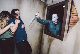 Halloween Theme Parks California by Halloween Michael Myers Comes Home Maze Halloween Horror Nights
