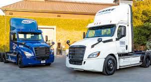 100 Penske Semi Truck Rental DTNA Delivers First Freightliner ECascadia Models To