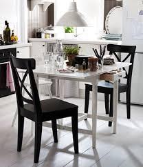 petites tables de cuisine petites tables de cuisine en 14 modèles déco gain de place