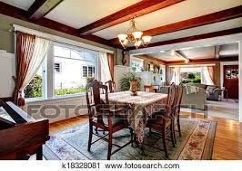 offenes wandgestaltung essen und wohnzimmer stock bild