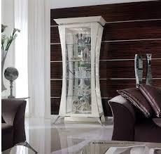 wohnzimmer schaufenster design und wohnzimmer schaufenster ecke design buy antike reproduktion vitrine antike geschnitzte holz wein