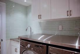 clear glass tile backsplash ideas