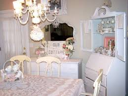 Shabby Chic Dining Room Wall Decor by Best 25 Shabby Chic Dining Room Ideas On Pinterest Refinish
