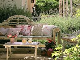 Cottage Style Outdoor Furniture Rustic Country Garden Decor