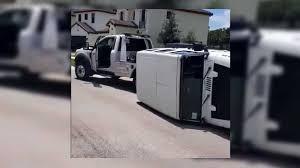 100 Do You Tip Tow Truck Drivers Jeep Wrangler Driver Fails Spectacularly In TugOfWar