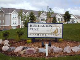 4 Bedroom Apartments For Rent Near Me by Huntington Cove Apartments In Merrillville In Edward Rose