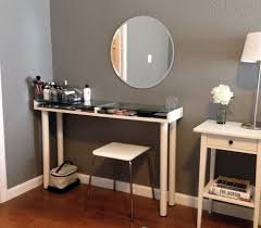 Vanity Set With Lights For Bedroom by Makeup Vanity Table With Lighted Mirror U2014 Dahlia U0027s Home The