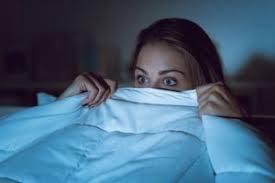 fernseher im schlafzimmer vor und nachteile betten at