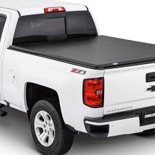 Lund International PRODUCTS | TONNEAU COVERS
