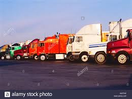 Trucks Lined Up Stock Photos & Trucks Lined Up Stock Images - Alamy