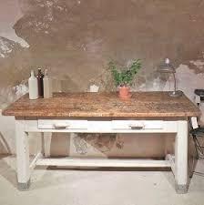 table de cuisine ancienne en bois table cuisine bois brut table console adosse au canap de