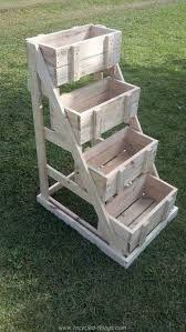 Pallet Wishing Well Crates Planter