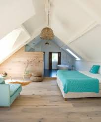 meuble pour chambre mansard idée décoration salle de bain deco chambre mansardee pour une