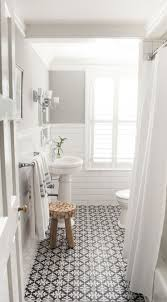 Country Curtains Manhasset New York by Best 25 Small Bathroom Mirrors Ideas On Pinterest Framed