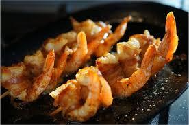 cuisiner les gambas cuisiner à la plancha gambas à la ventrêche et pommes de terre
