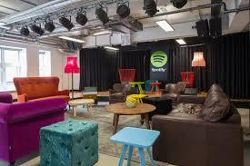 bureau locaux les bureaux créatifs de chez spotify à londres