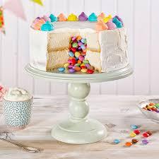 überraschungskuchen rezept anleitung für einen piñata cake