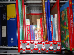 Christmas Tree Books For Preschoolers by 5 Ideas For Organizing Books For Toddler Interaction